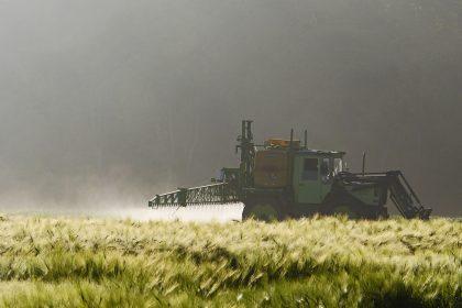 Ministerstvo zemědělství ustoupilo tlaku velkých zemědělců